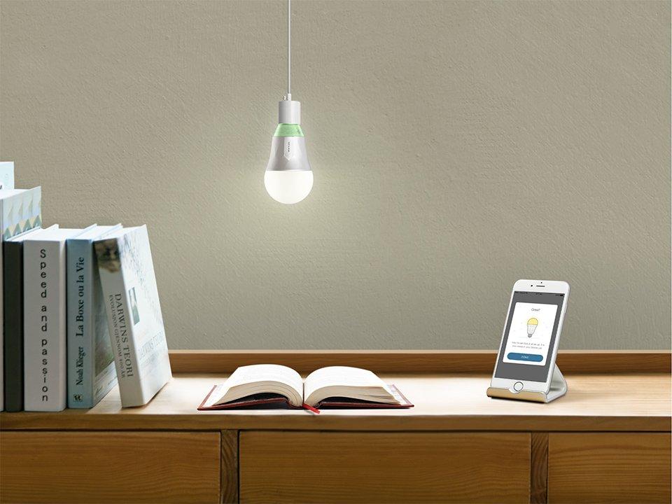 لامپ LED تی پی لینک LB110 سفید رنگ